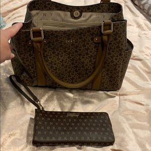 DKNY bag and Wallet. Used a couple days.